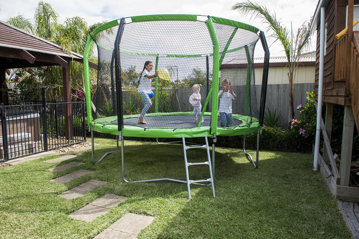 Oz Trampolines - 13 Essential Tips for Buying a Trampoline